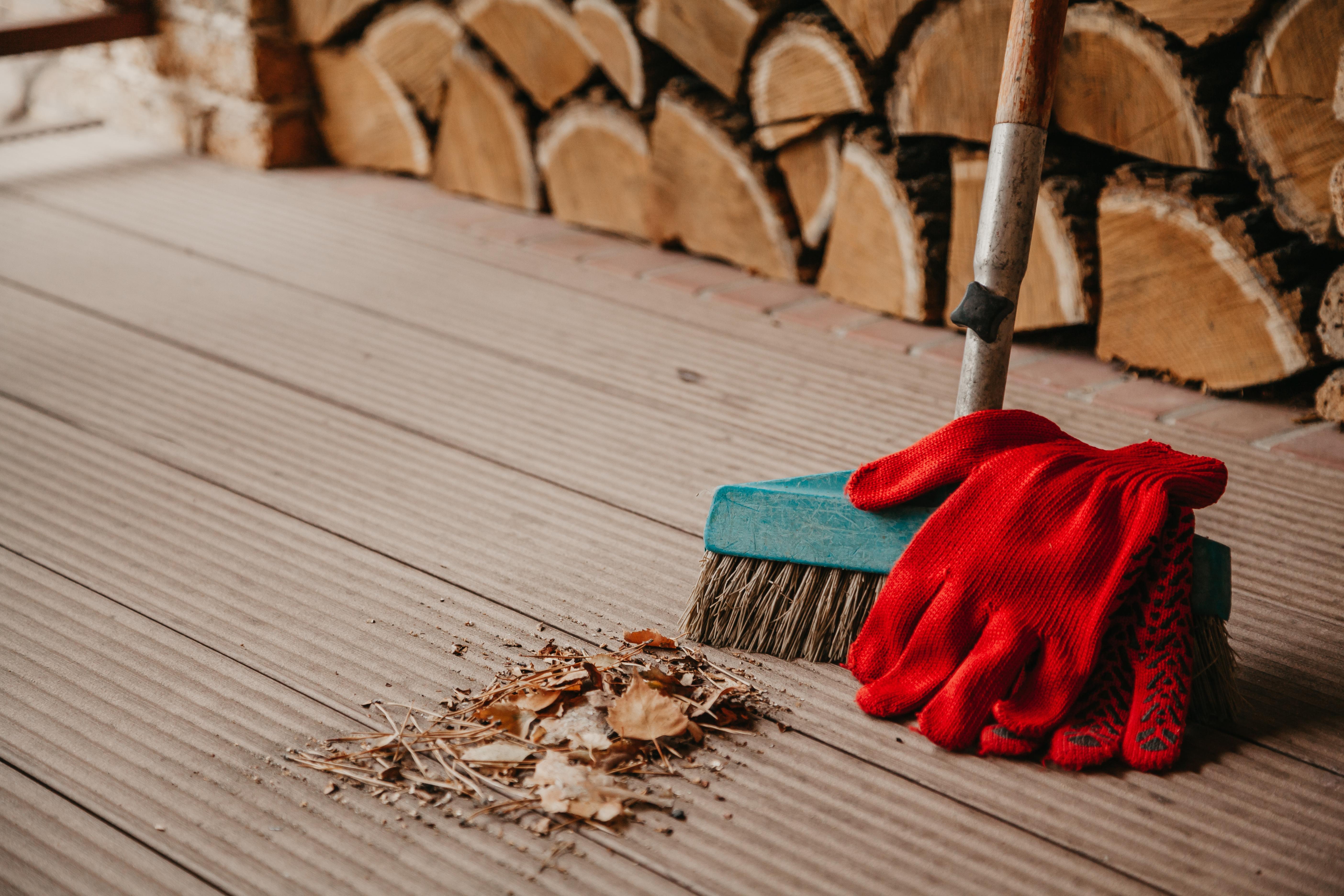WPC Terrassen reinigen und pflegen