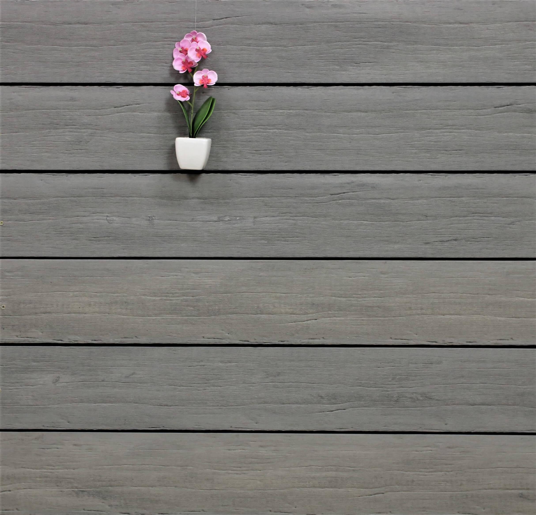 WPC Terrassendielen massiv, Oberfläche antik gealtert, Farbton steingrau, Vollprofil, 22 x 143 bis 4800 mm für 9,95 €/lfm