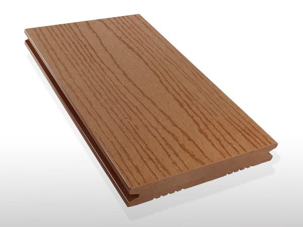 WPC Terrassendielen massiv, Oberfläche mit Struktur in Holzoptik, Farbton hellbraun, Vollprofil, 22 x 143 bis 4800 mm für 7,90 €/lfm