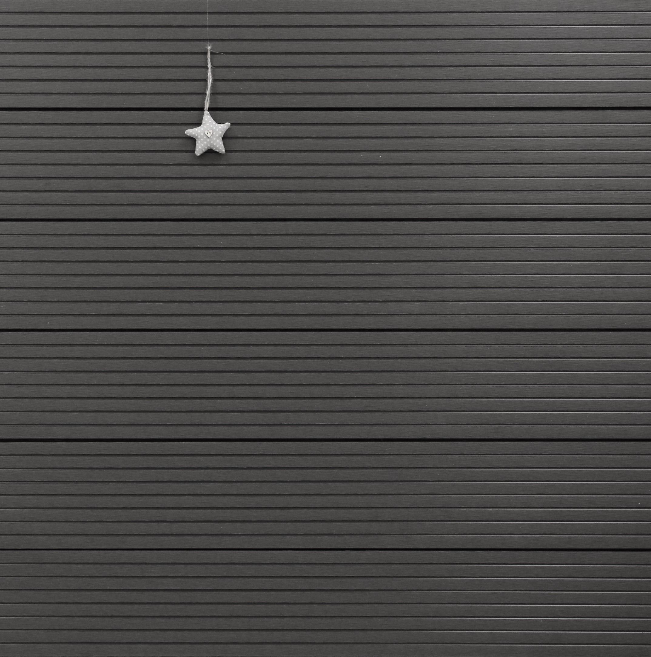 WPC Terrassendielen Hohlkammer, Oberfläche grob genutet, Farbton dunkelgrau, 22 x 146 bis 4800 mm für 5,30 €/lfm