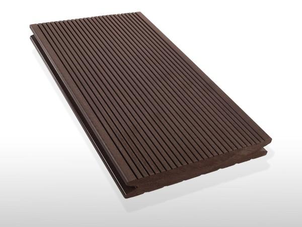 WPC Terrassendielen massiv, Oberfläche fein gerillt, Farbton dunkelbraun, Vollprofil, 22 x 143 bis 4800 mm für 7,90 €/lfm