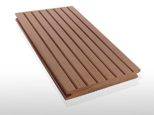 WPC Terrassendielen massiv, Oberfläche grob genutet, Farbton hellbraun, Vollprofil, 22 x 143 bis 4800 mm für 7,90 €/lfm