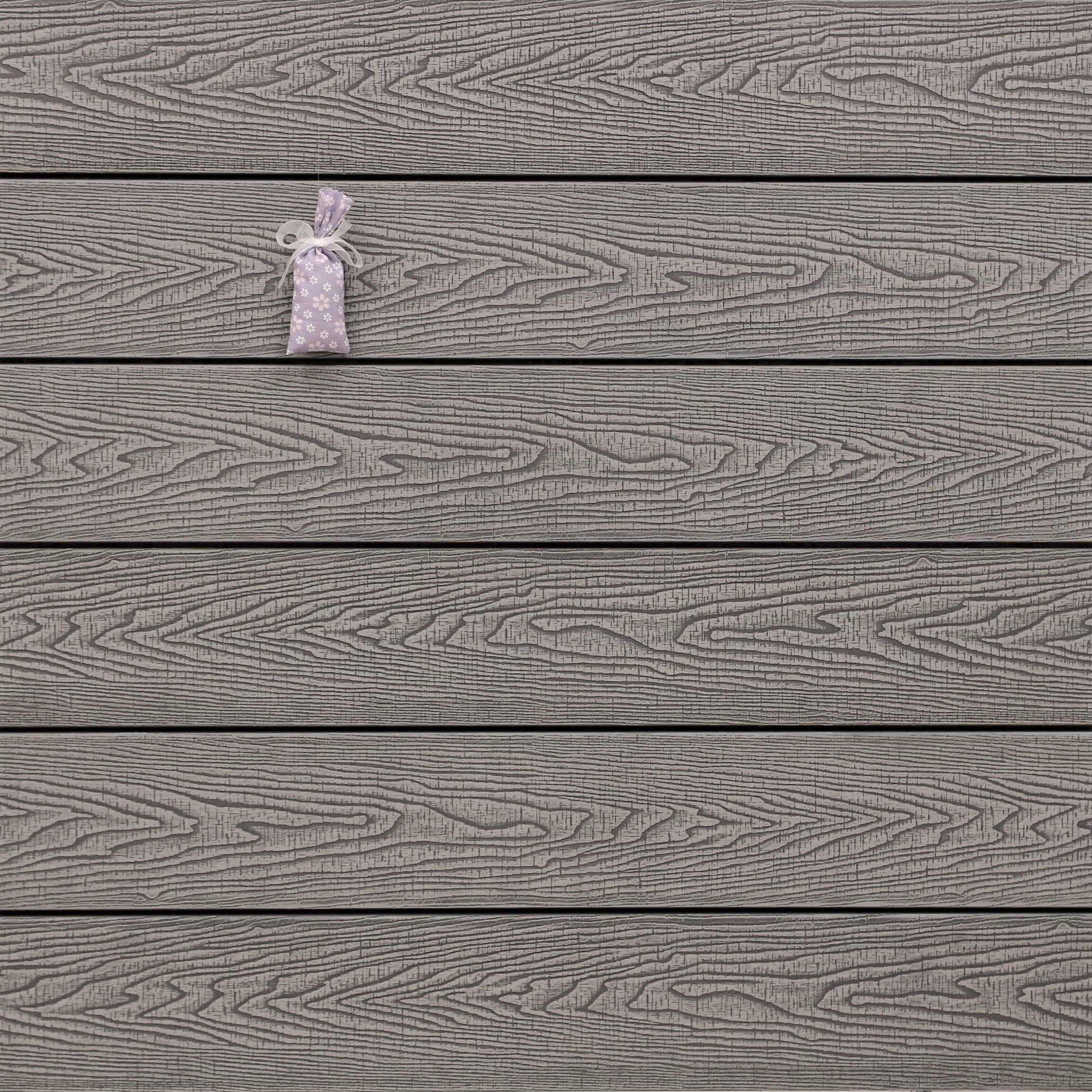 WPC Terrassendielen massiv, Oberfläche mit Struktur in Holzoptik sägerau, Farbton hellgrau, Vollprofil, 22 x 143 bis 4800 mm für 7,95 €/lfm