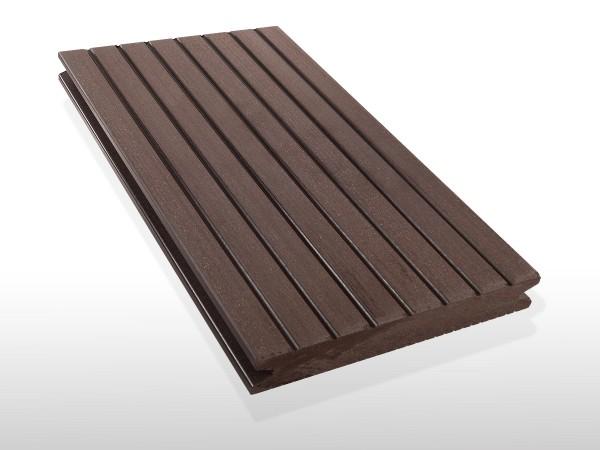 WPC Terrassendielen massiv, Oberfläche grob genutet, Farbton dunkelbraun, Vollprofil, 22 x 143 bis 4800 mm für 7,90 €/lfm