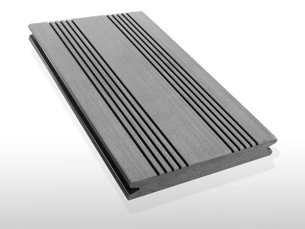 WPC Terrassendielen massiv, Oberfläche mit französischem Profil, Farbton hellgrau, Vollprofil, 22 x 143 bis 4800 mm für 7,90 €/lfm