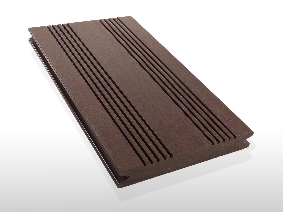 WPC Terrassendielen massiv, Oberfläche mit französischem Profil, Farbton dunkelbraun, 22 x 143 bis 4800 mm für 7,90 €/lfm