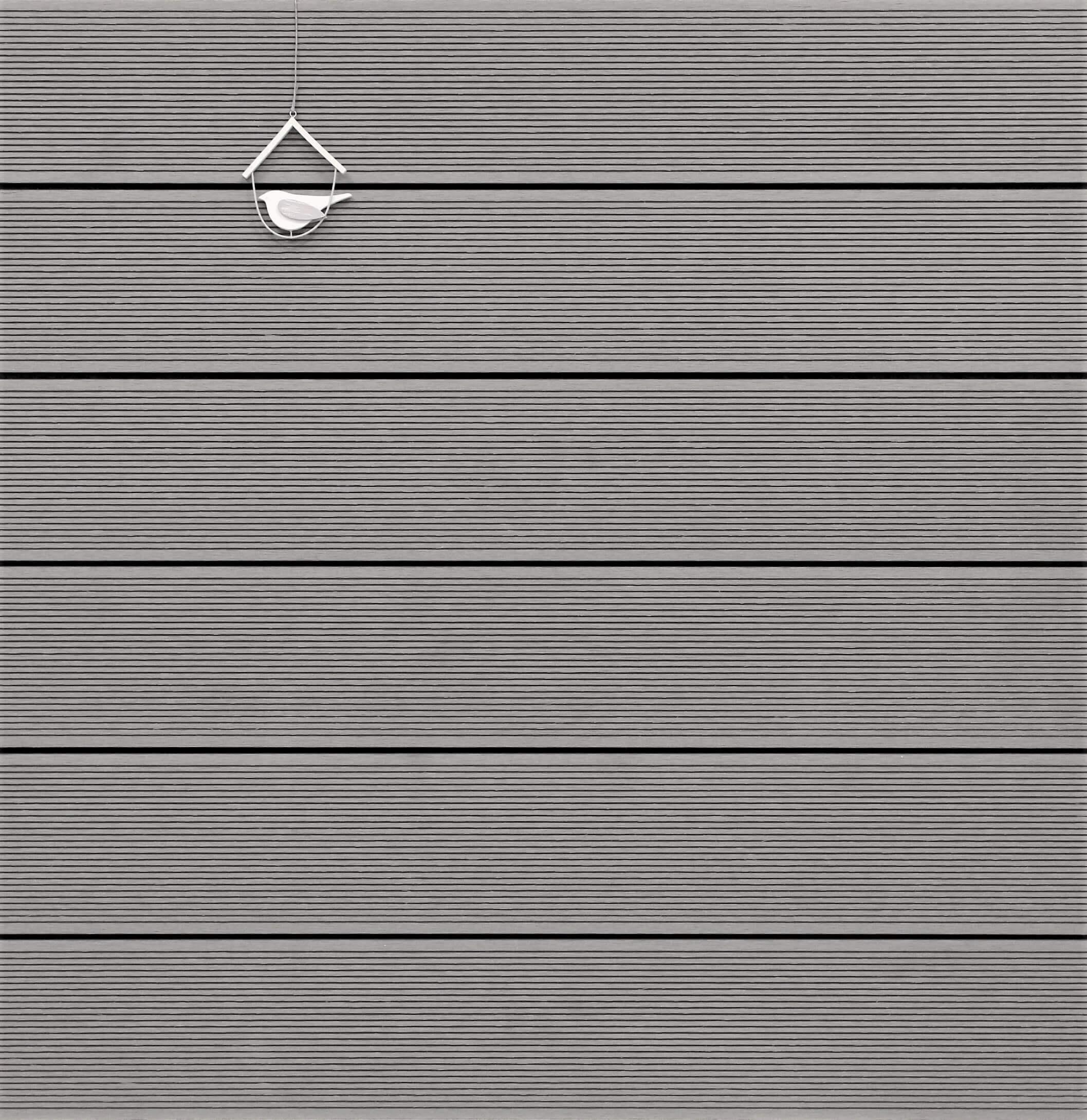 WPC Terrassendielen massiv, Oberfläche fein gerillt, Farbton hellgrau, 22 x 143 bis 4800 mm für 7,90 €/lfm