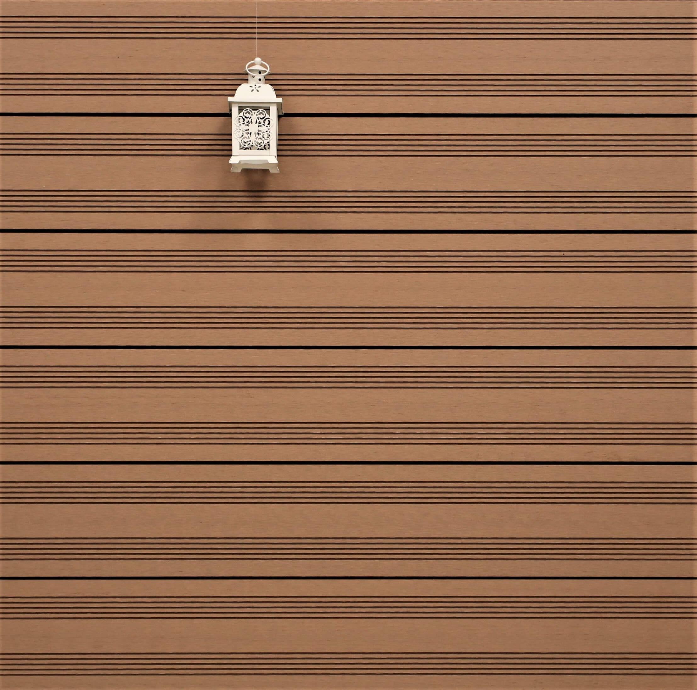 WPC Terrassendielen massiv, Oberfläche mit französischem Profil, Farbton hellbraun, Vollprofil, 22 x 143 bis 4800 mm für 9,50 €/lfm