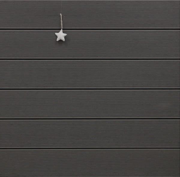 WPC Dielen massiv, Oberfläche fein gerillt, Farbton dunkelgrau, Vollprofil, 22 x 143 bis 4800 mm für 8,95 €/lfm